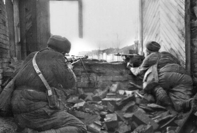 Бой у Дома Павлова. Сталинград, 1942 г