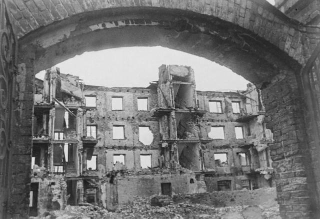 Руины Сталинграда. Февраль 1943 г
