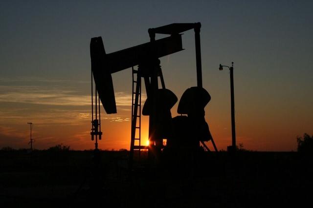 Нефть застопорилась