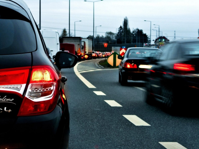 Ученый: Стоит опасаться взлома транспортных средств в случае войны