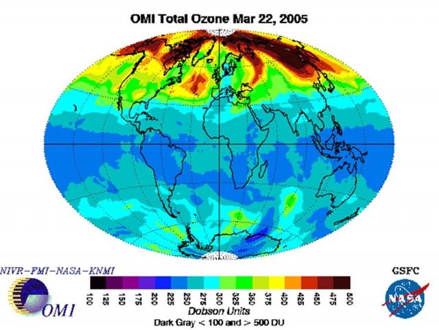 Рис. 17. Аномально высокое ОСО над Северным полушарием 22.03.2005