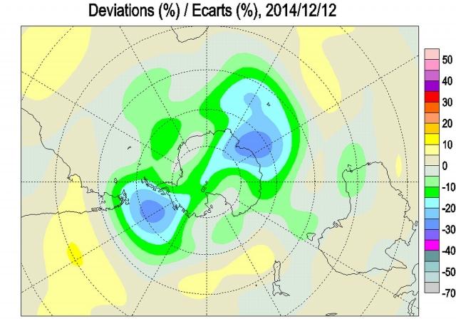 Рис. 25. Озоновая аномалия в Антарктике, имеющая форму песочных весов 12.12.2014