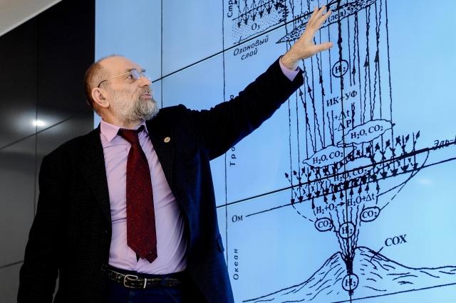 Владимир Сывороткин вызывает сторонников Монреальского протокола на дуэль