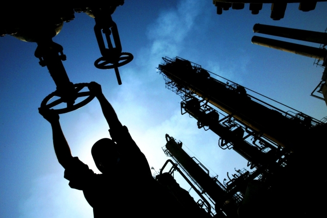 Нефть  восстанавливает потери