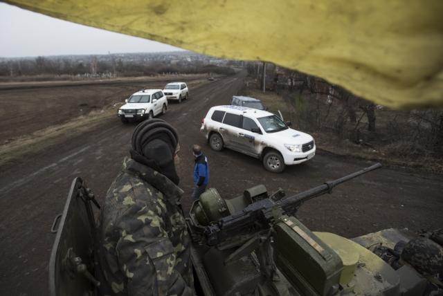 В Луганске вооруженная группа не дала проехать миссии ОБСЕ