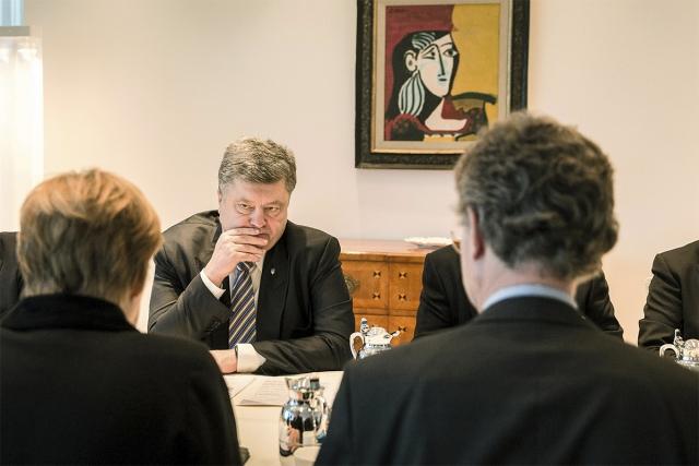 Ситуацию в ЛНР обсуждают и в Брюсселе: Порошенко требует новых санкций