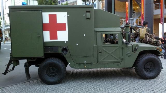 ВСУ получили партию бронированных медицинских автомобилей