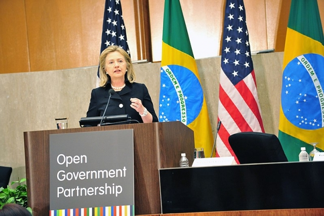 Хиллари  Клинтон выступила с речью на заседании Партнерства открытого правительства в Государственном департаменте США в Вашингтоне