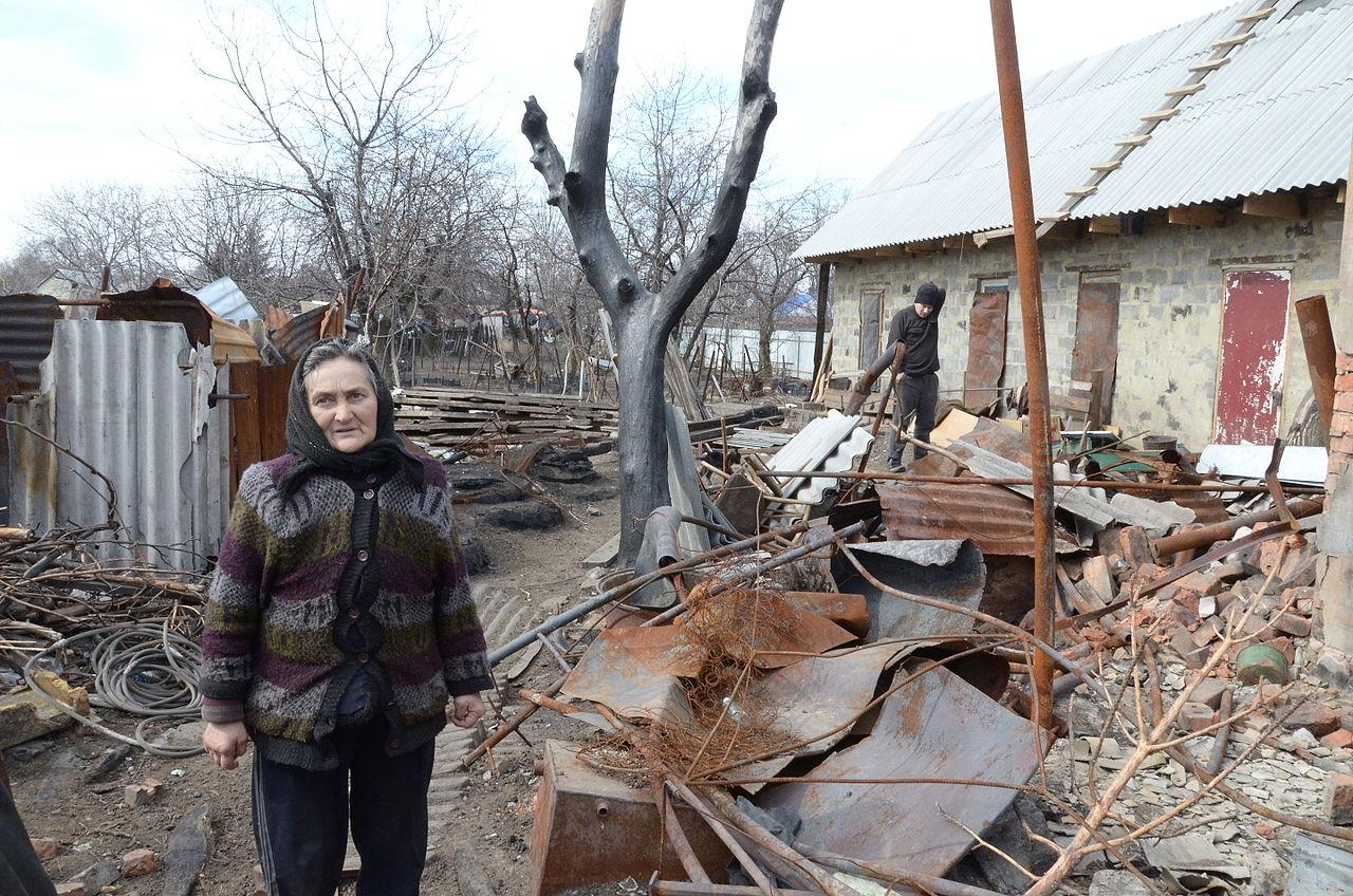 Разрушенный жилой дом в Петровском районе Донецка