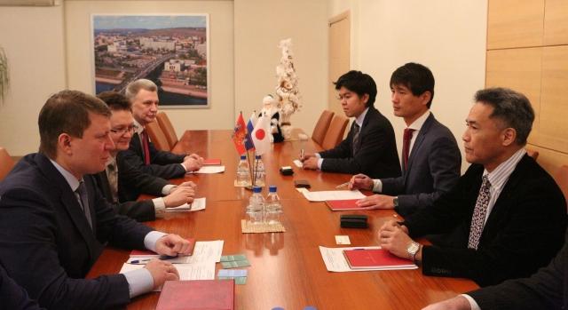 Глава Красноярска встретился с делегацией «Никкен Сэккей»