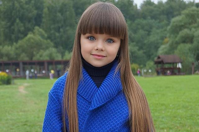 Кукольная красота: самой красивой признана девочка из России