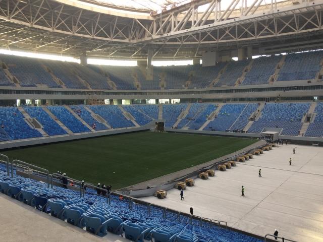 Стадиону «Санкт-Петербург» на Крестовском вновь меняют газон