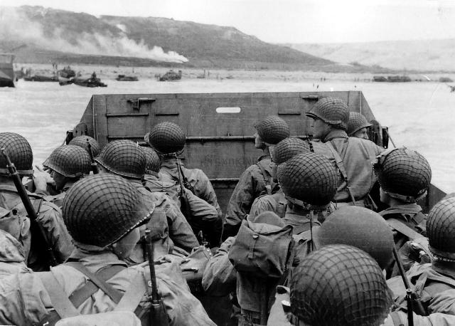 Высадка американских войск на пляже «Омаха». 1944