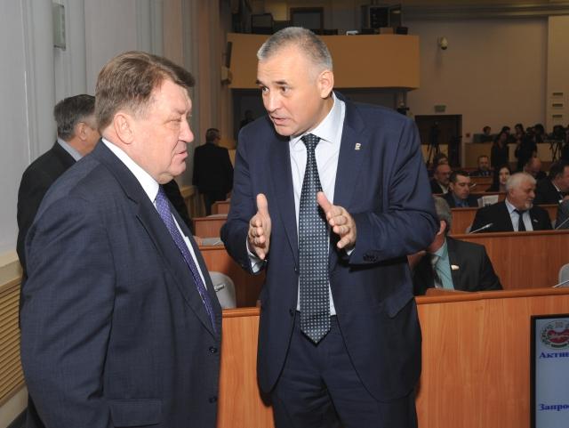 «Поборы с населения, подачки из Москвы»: в Хакасии приняли бюджет-2018