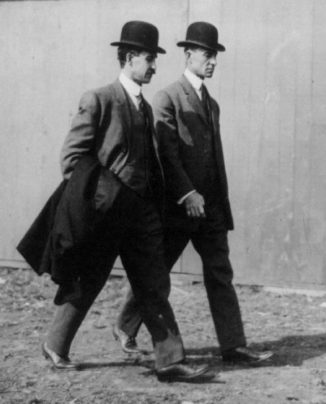 Братья Райт в 1910 году