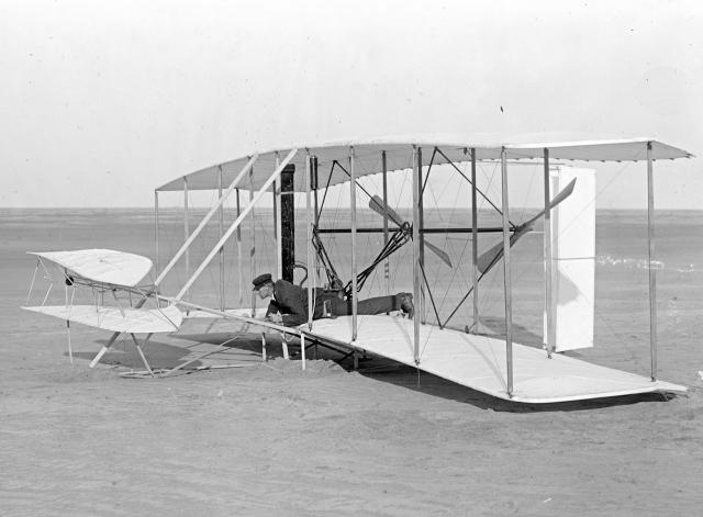 Уилбур Райт в исходной позиции – 14 декабря 1903 г