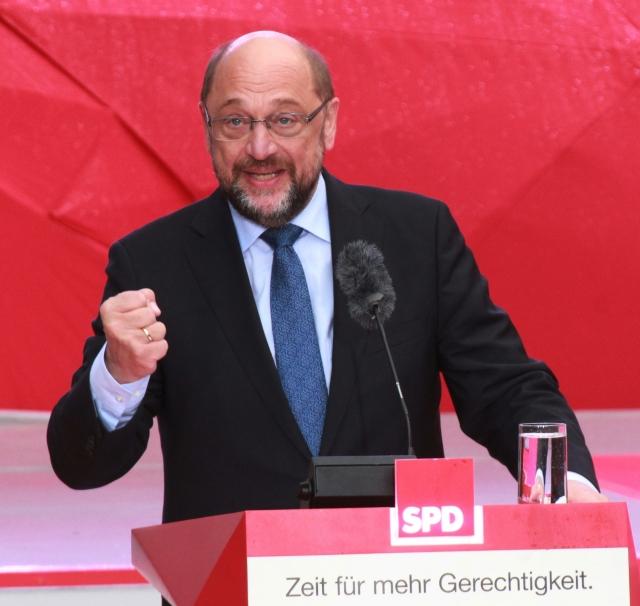 Политический кризис в Германии: Шульц согласился на переговоры с Меркель
