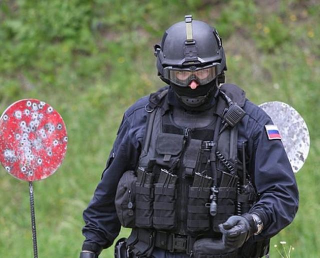 ФСБ и МВД провели массовые задержания торговцев оружием в 14 регионах РФ