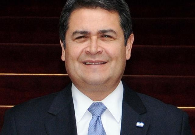 Президент Гондураса переизбран на второй срок