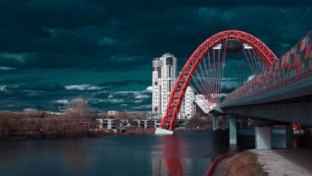 Живописный мост в Крылатском