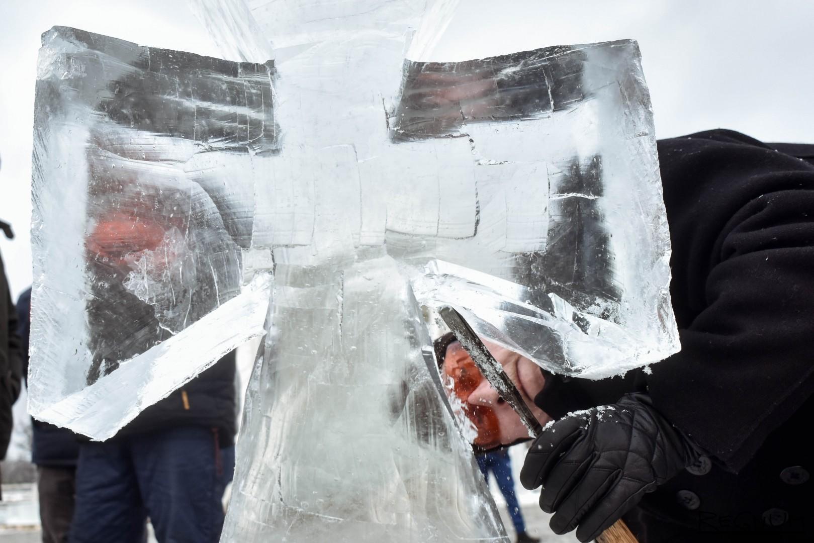 Иван Охлобыстин завершает свою скульптуру