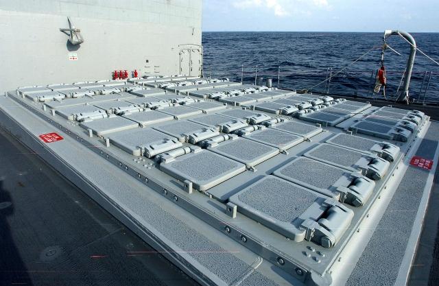 Универсальная установка вертикального пуска (УВП) Мк41 на борту ракетного крейсера типа «Тикондерога» USS San Jacinto (CG-56) ВМС США