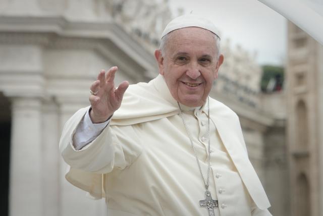 Папа Римский сравнил реформы с чисткой сфинкса зубной щеткой
