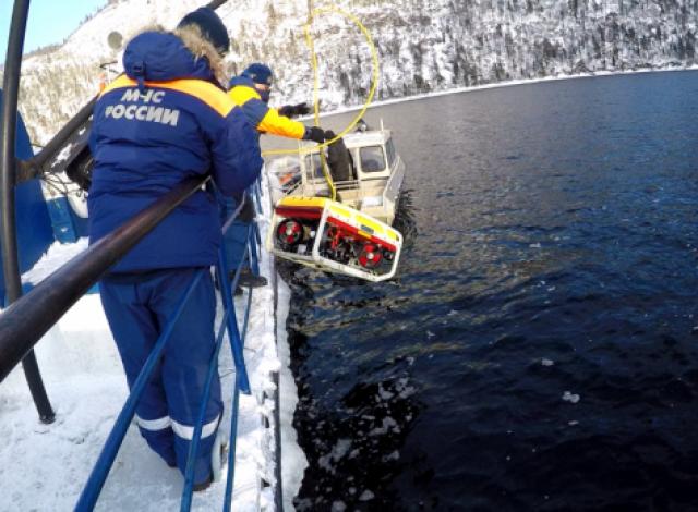 Поиски вертолёта Robinson 66, потерпевшего катастрофу на Телецкое озере