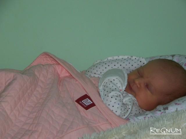 Новорожденная в перинатальном центре «ДАР»