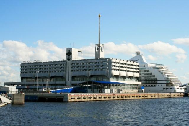 Смольный намерен передать Морской вокзал Петербурга «Морскому фасаду»