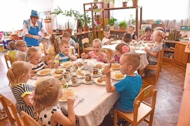 Питание в ярославских детских садах выставят на торги