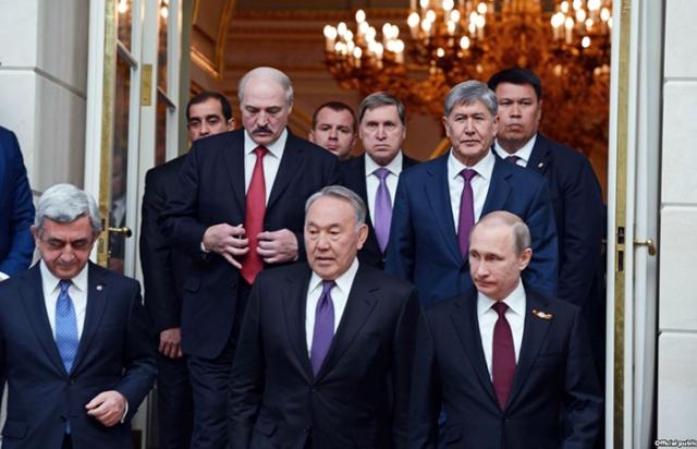 Евразийская интеграция для России: источник неприятностей или прибыли?