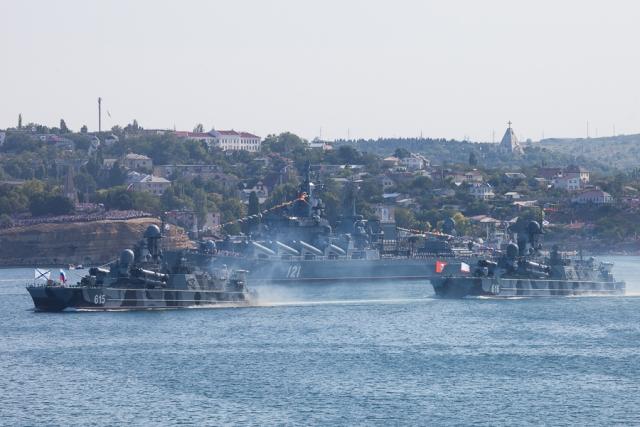 Корабли Черноморского флота в Севастополе