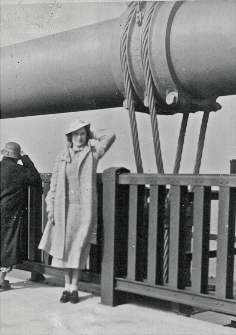 В день открытия моста. 26 мая 1937
