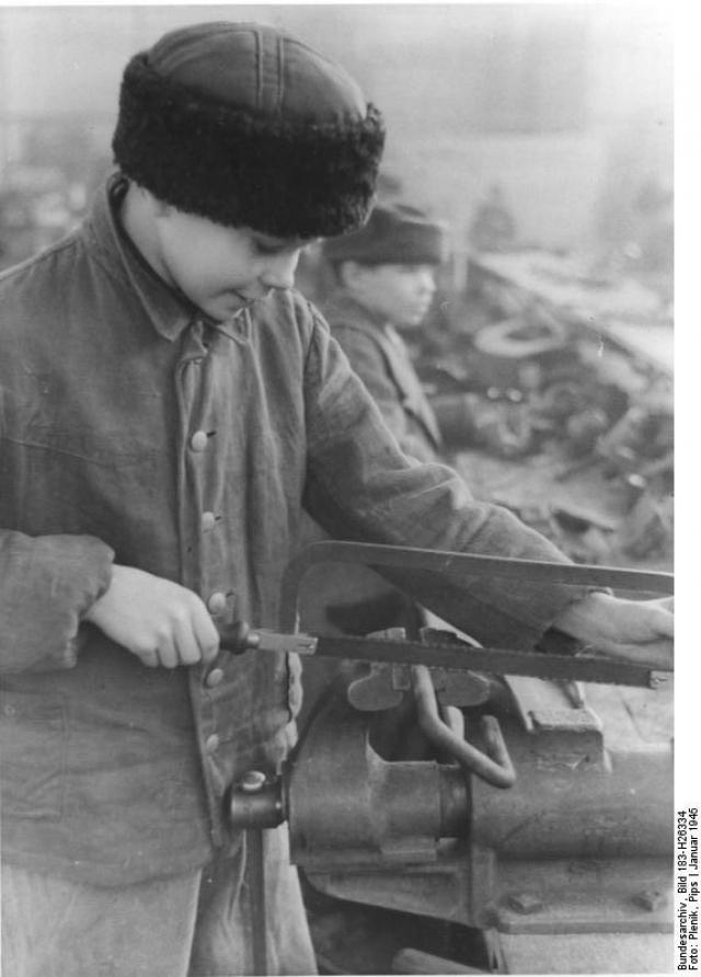 14-летний украинец-остарбайтер