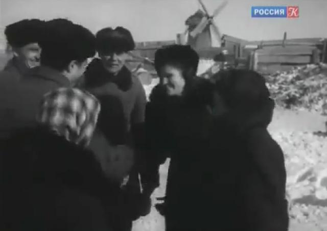 Единственный видеокадр с работающей ветряной мельницей в Михайловке