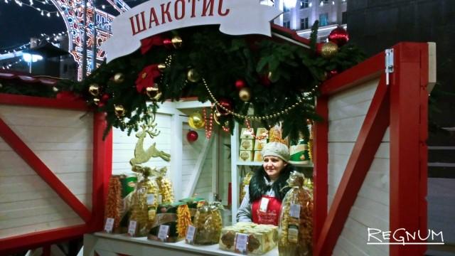 А вот такие домики можно было встретить в Москве