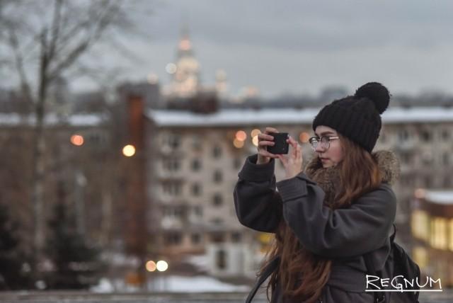 Родители попросили детей привезти как можно больше фотографий своего путешествия в Москве