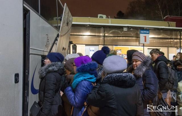 Посадка на автобус в ЛНР