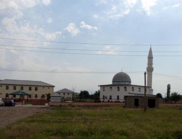Мечеть в азербайджанском селе. Грузия