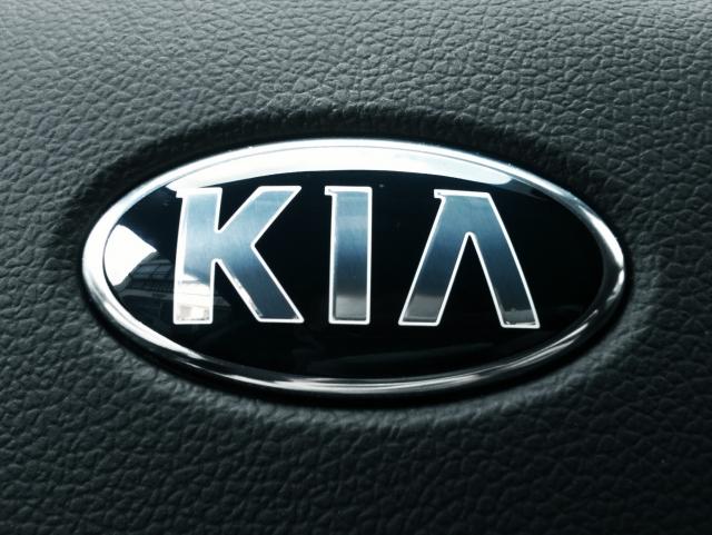 Kia в 2017 году реализовала в России около 182 тыс. машин