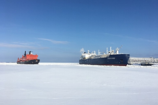 Порты: нефть спасает Арктику