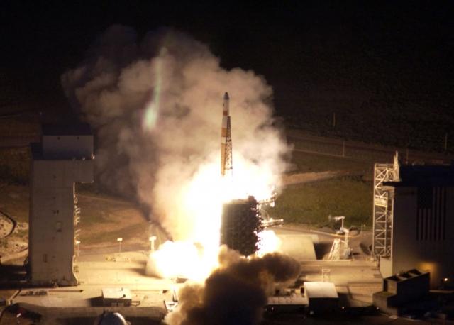 В США отложен запуск ракеты с военным спутником