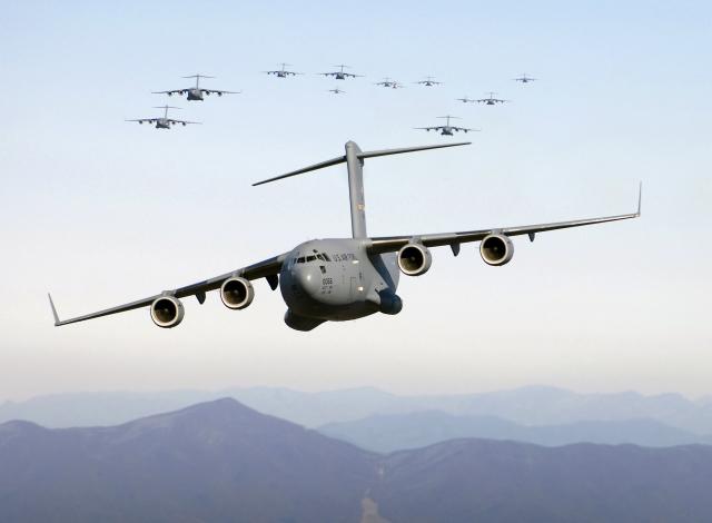Авиация НАТО перемещается на восток