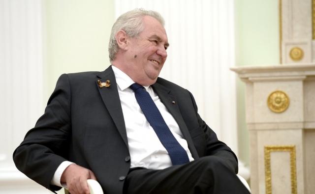 Земан лидирует на выборах президента Чехии