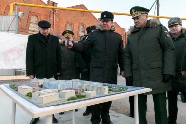 Полпред в СЗФО и министр обороны обсудили выполнение поручений президента