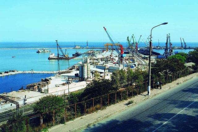 Махачкалинский морской торговый порт