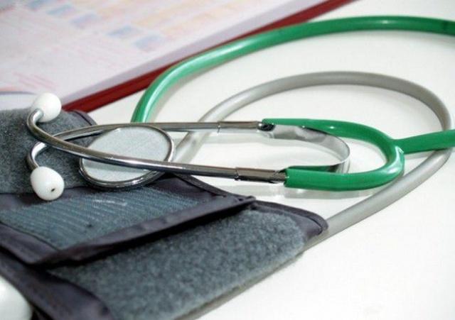 В Рязани нашли способ выполнить майские указы: врачам сокращают ставки