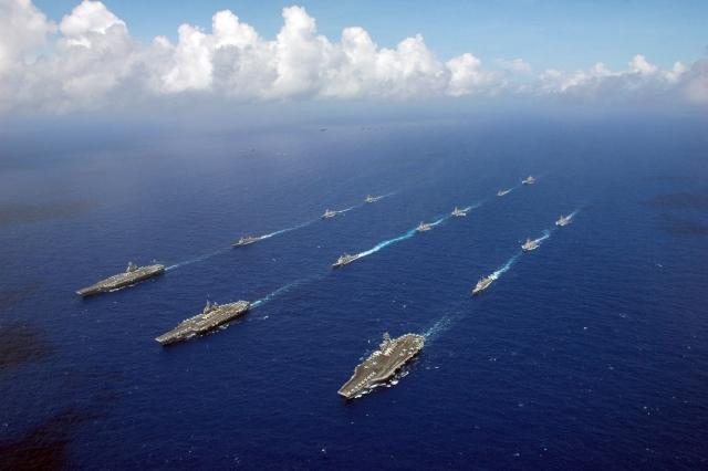 МИД Китая: Эсминец ВМС США нарушил территориальные воды Китая