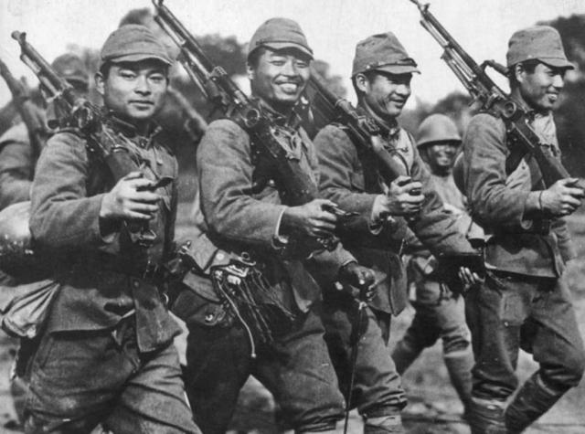 Японские солдаты на марше